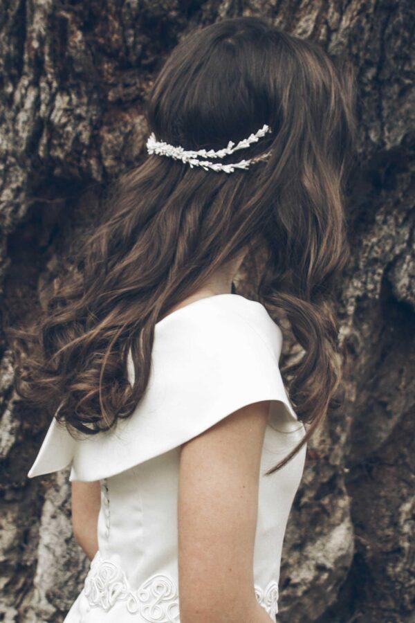 Tocado novia de pistilos blancos Lydia Valledor